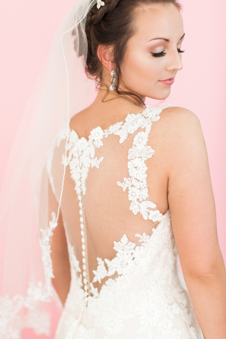 Romantic Valentines Day Inspired Bridals via TheELD.com