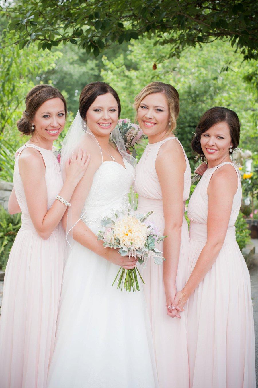 An Elegant Garden Inspired Alabama Wedding via TheELD.com