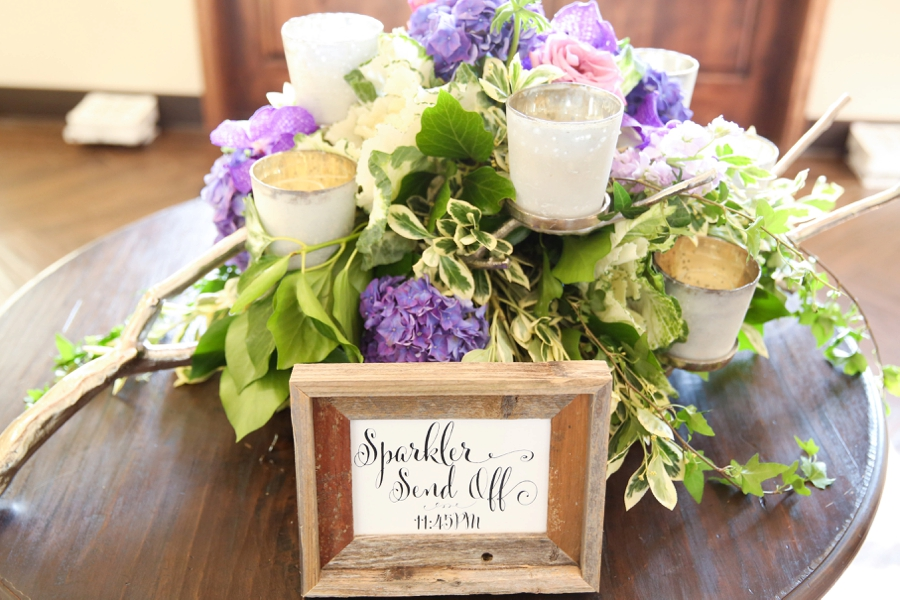 A Vineyard Inspired Purple & Navy Texas Wedding via TheELD.com