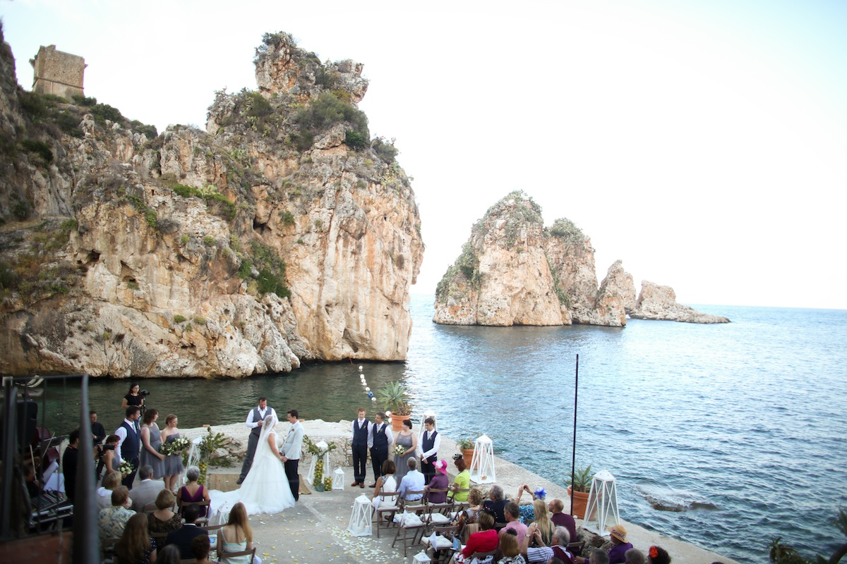 10 Destination Wedding Tips You Must Know! via TheELD.com