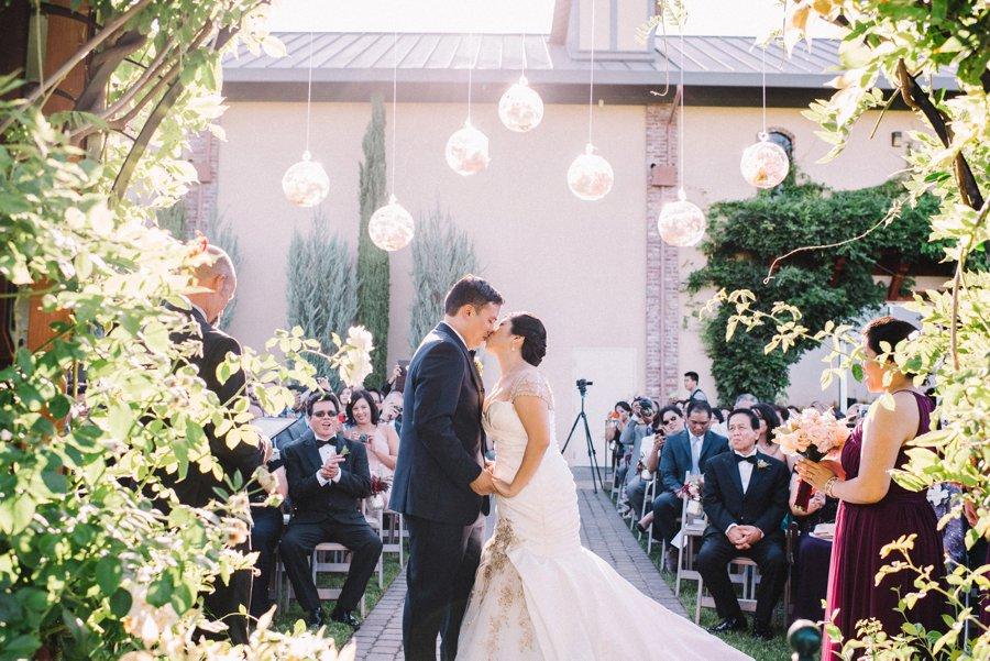 Berry & Blush California Winery Wedding via TheELD.com