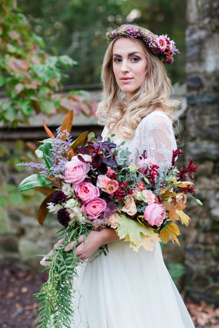 Bold Berry toned Vintage Inspired Wedding Ideas via TheELD.com