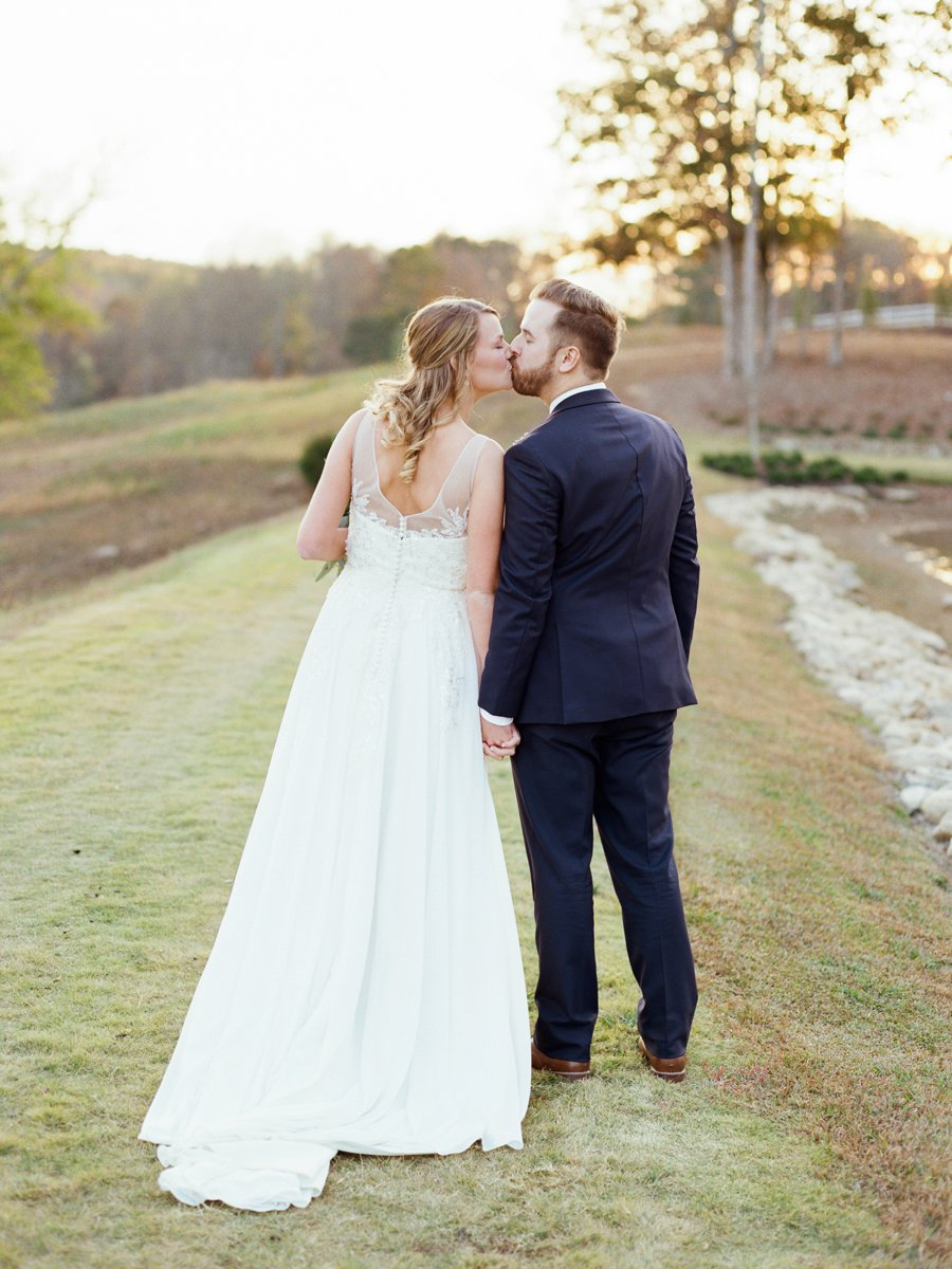 Classic Blush, White, & Greenery Georgia Wedding via TheELD.com