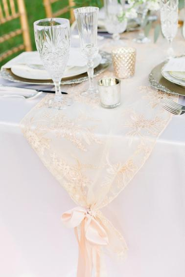 Romantic Blush & White Kentucky Derby Inspired Wedding Ideas via TheELD.com