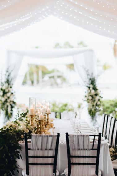 A Romantic Green & White Oceanside Miami Wedding via TheELD.com