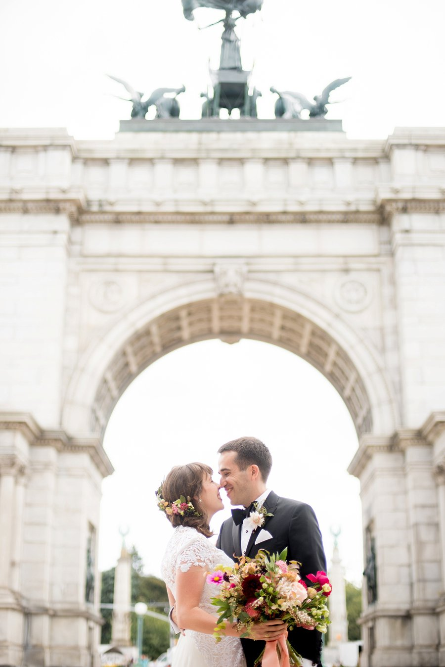 An Elegant Pink & White Brooklyn Wedding via TheELD.com