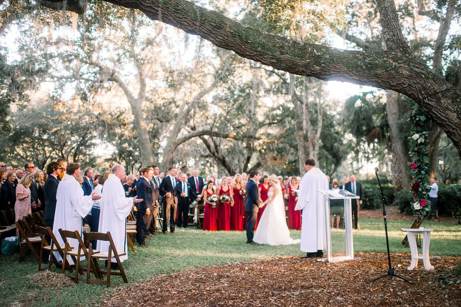A Classic Red & Navy South Carolina Wedding via TheELD.com