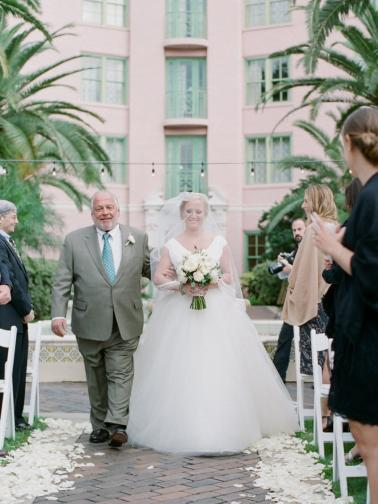An Elegant White & Gold Vinoy Wedding In St. Pete via TheELD.com