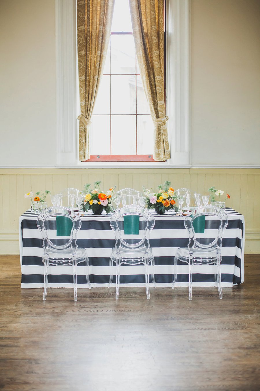 Modern Bold & Bright Southern Inspired Wedding Ideas via TheELD.com