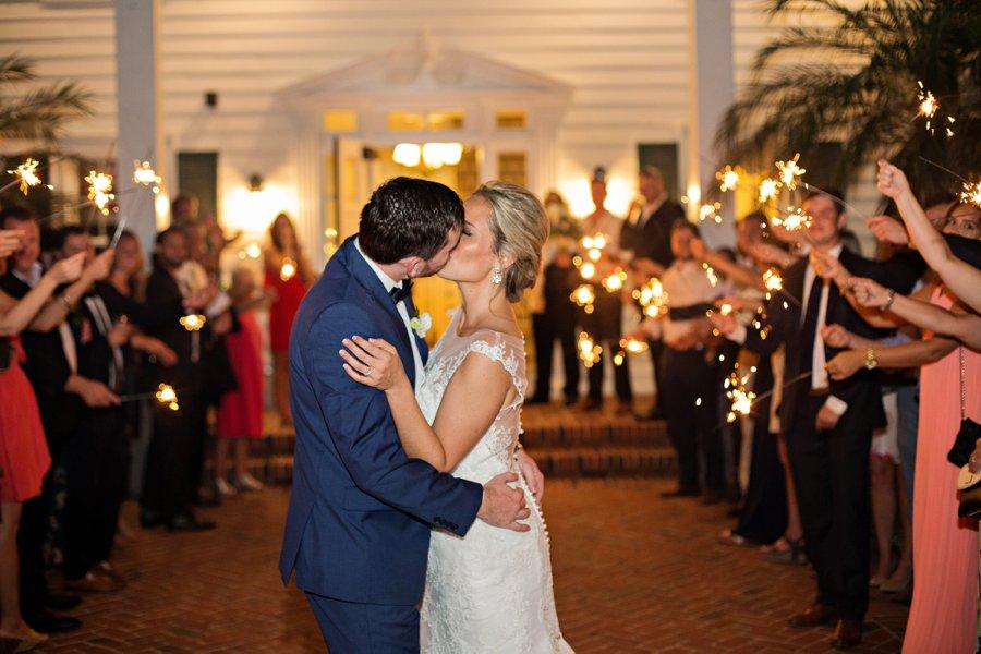 A Classic Navy & White Outdoor Florida Wedding via TheELD.com
