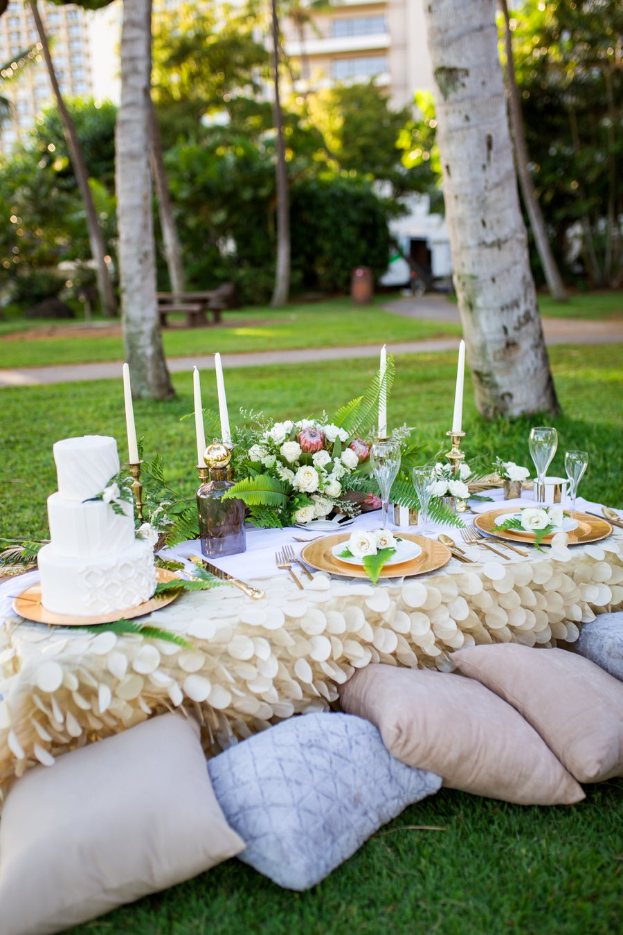 Elegant Green & White Hawaiian Wedding Ideas Every Last