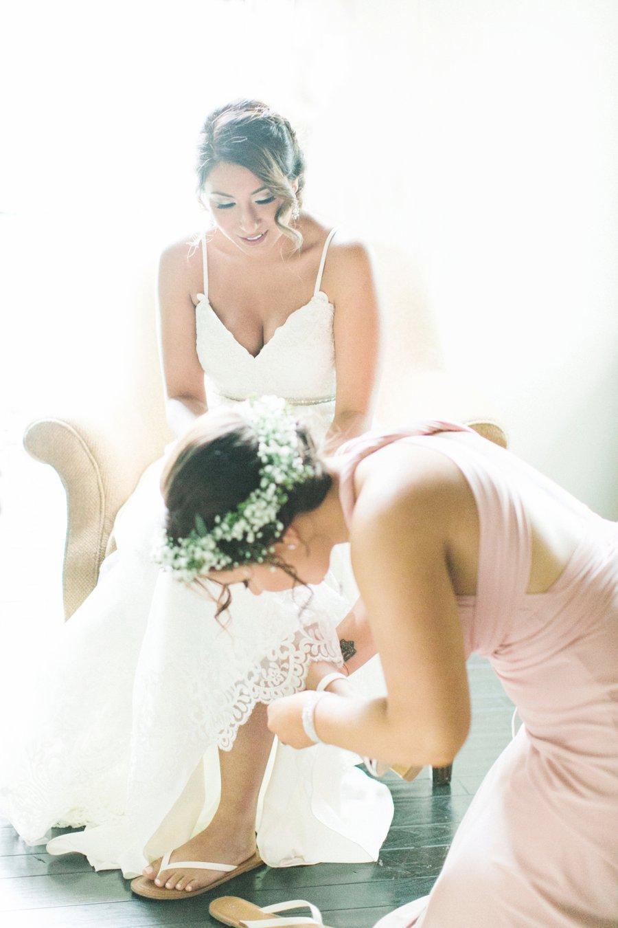 An Elegant Green & White South Carolina Wedding via TheELD.com