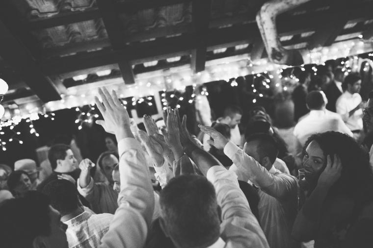 How to ensure a full dance floor at your wedding via TheELD.com