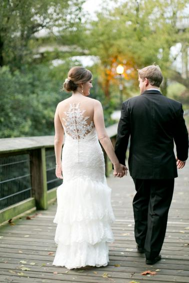 A Charming Blue & White South Carolina Wedding via TheELD.com