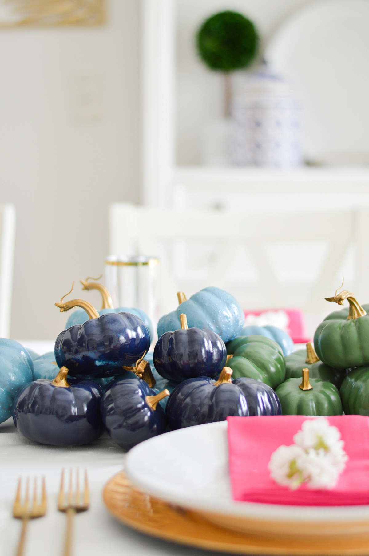 Colorful Thanksgiving Decor via TheELD.com
