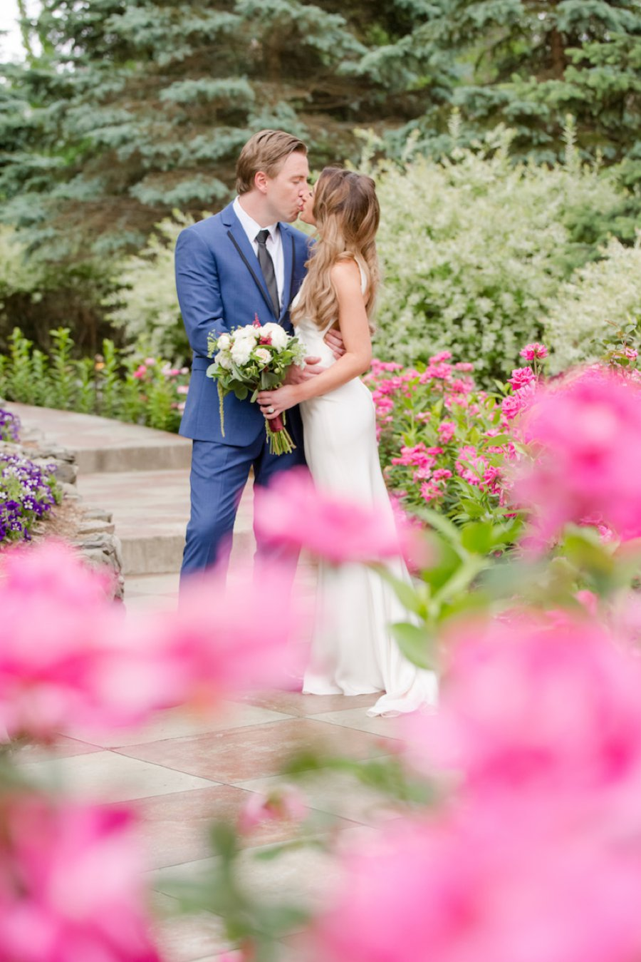 A Summer Red & Blue Rustic Boho Hudson Valley Wedding via TheELD.com
