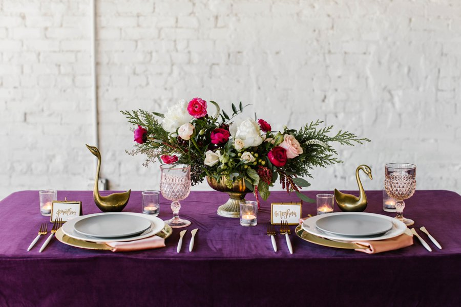 12 Days of Christmas Tabletops: 7 Swans a Swimming via TheELD.com