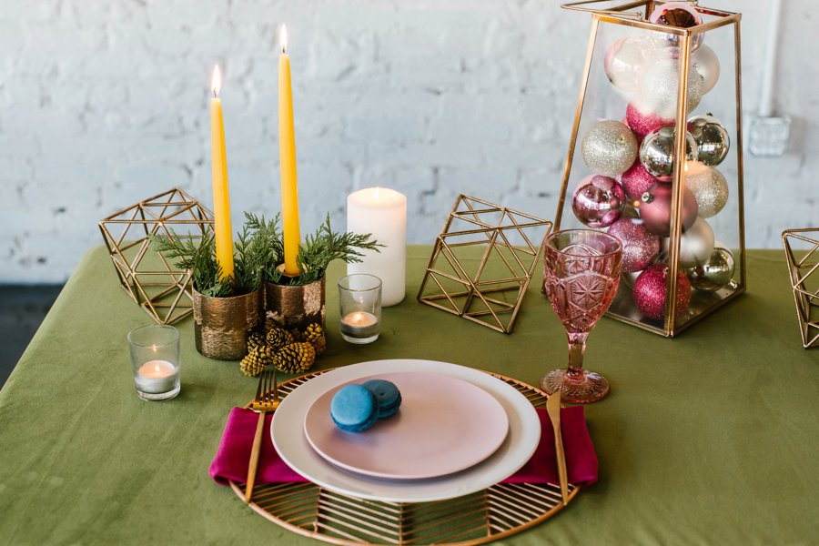 The 12 Days of Christmas Tabletops: 6 Geese a Laying via TheELD.com