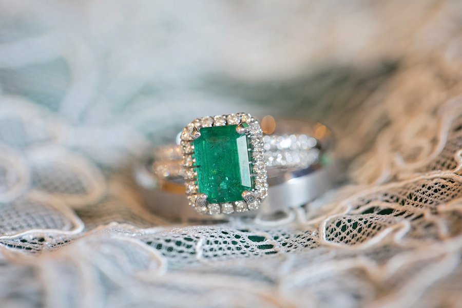 A Green & White Elegant Wedding In Saint Augustine via TheELD.com