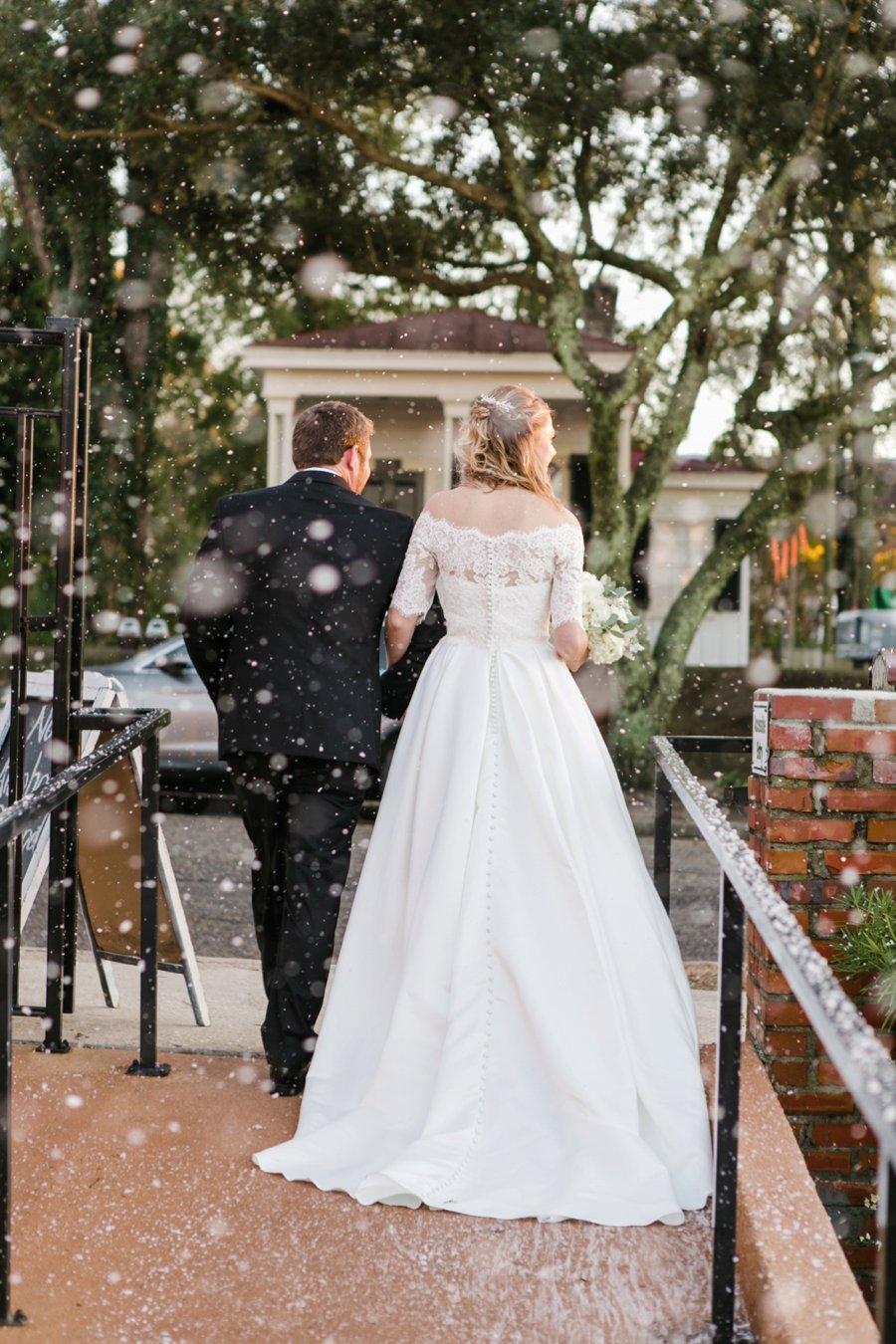 A Gray, Green, & Red Wintery North Carolina Wedding via TheELD.com