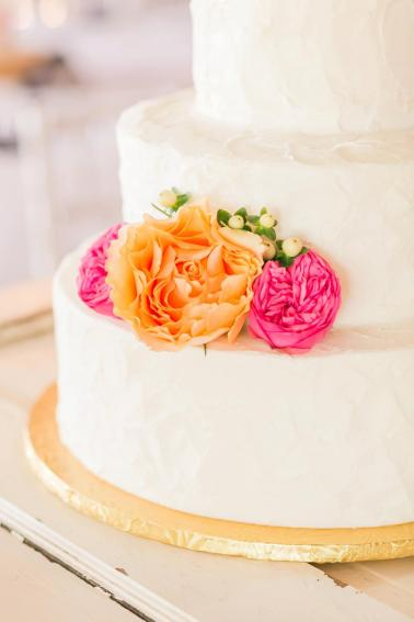 A Colorful Pink & Orange Virginia Wedding via TheELD.com