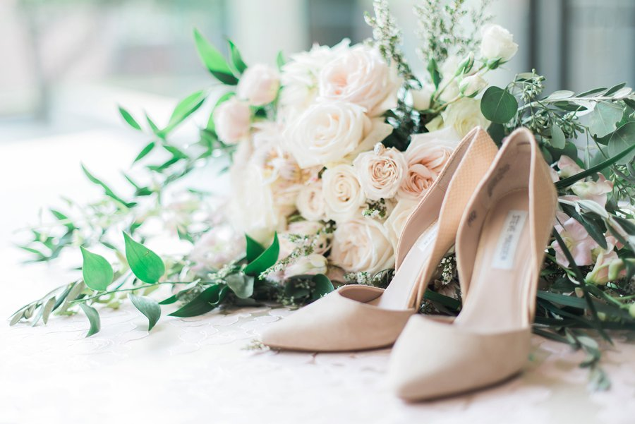 Timeless Champagne & Blush Classic Wedding Ideas via TheELD.com