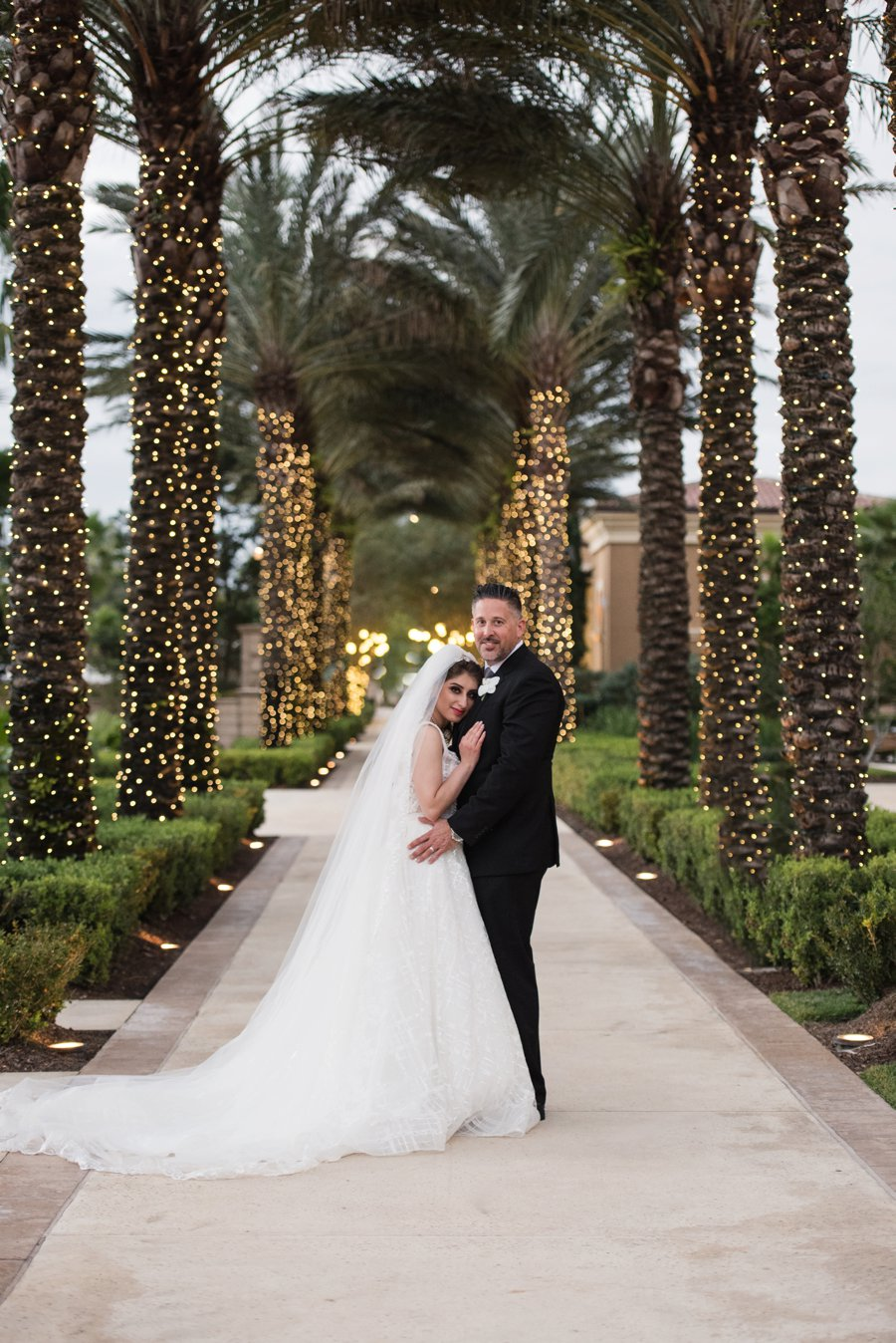 A Elegant Silver & White Black Tie Wedding via TheELD.com