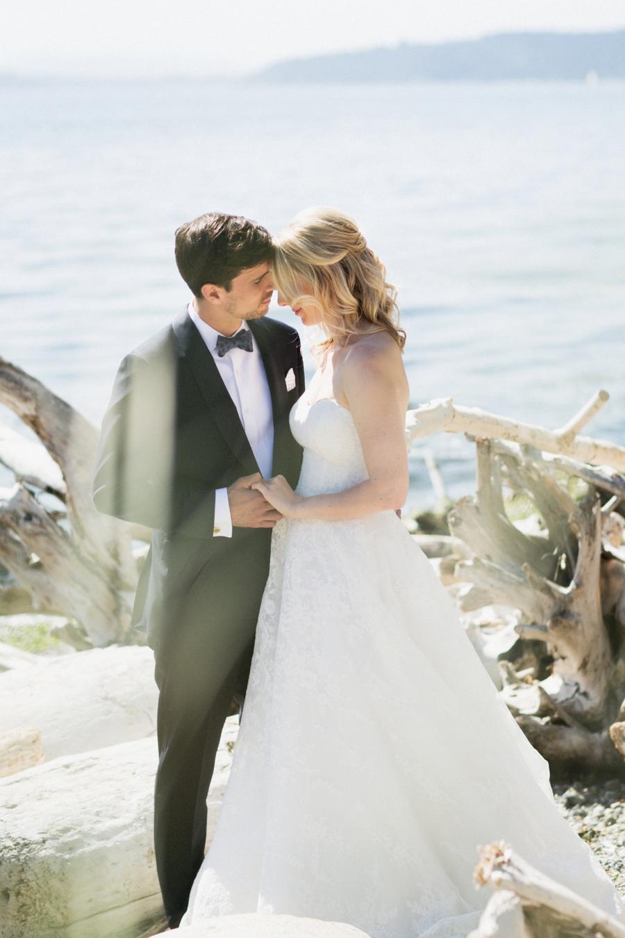 A Romantic Burgundy Seattle Wedding via TheELD.com