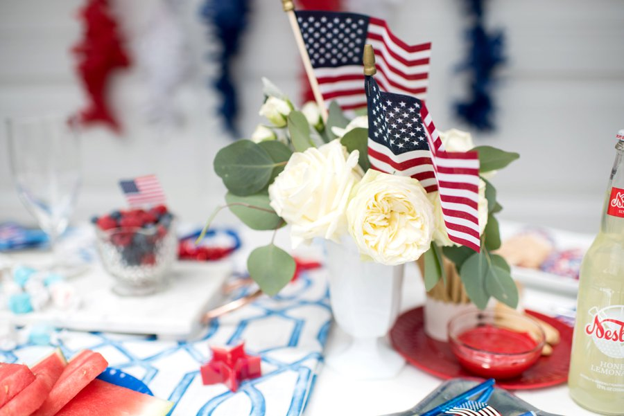 4th of July Wedding Ideas via TheELD.com