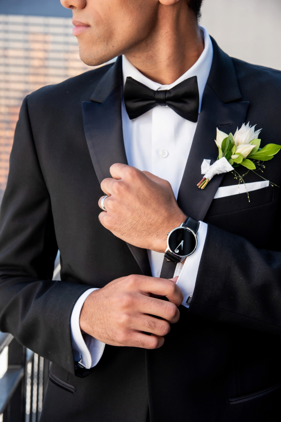 Modern Rooftop Elopement Inspiration With Chic Wedding Day Gift Ideas via TheELD.com modern rooftop elopement inspiration with chic wedding day gift ideas - A Modern Rooftop Elopement Inspiration 0031 - Modern Rooftop Elopement Inspiration With Chic Wedding Day Gift Ideas