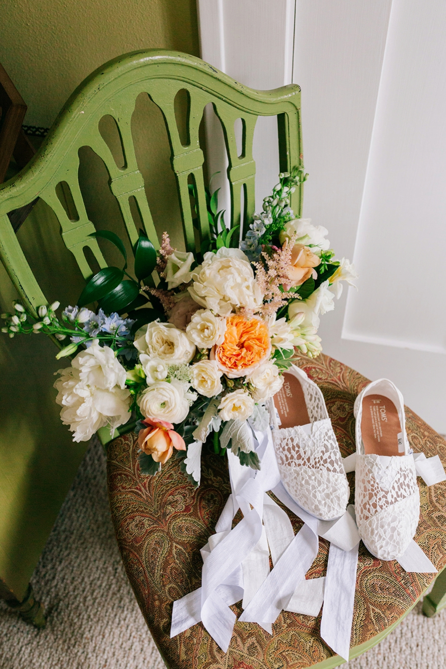 A Southern Garden Inspired Wedding In Central Florida via TheELD.com