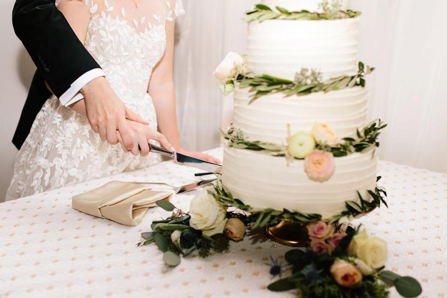 A Romantic Blush & Blue Tampa Wedding via TheELD.com A Romantic Blush & Blue Tampa Wedding - A Romantic Blush Blue Tampa Wedding 0048 - A Romantic Blush & Blue Tampa Wedding