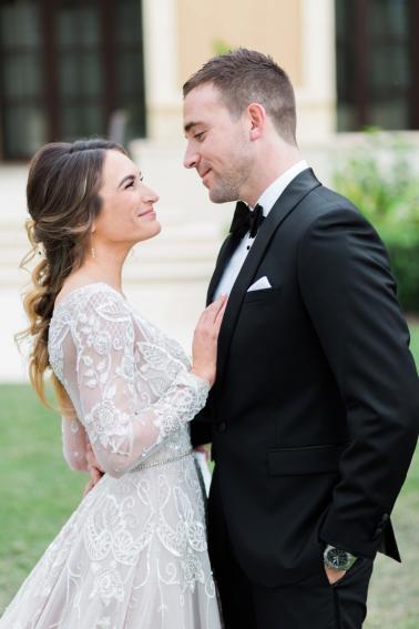 A Glamorous French Blue & White Wedding via TheELD.com