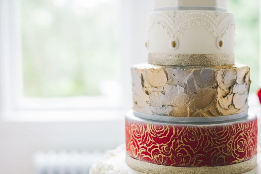 Glamorous Red and White Wedding Inspiration via TheELD.com