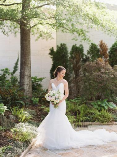 A Classic & Chic Alabama Wedding via TheELD.com