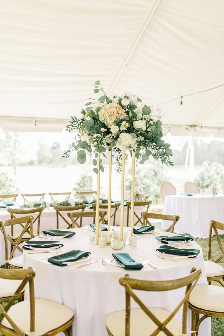 Elegant Hunter Green Wedding in Central Florida via TheELD.com
