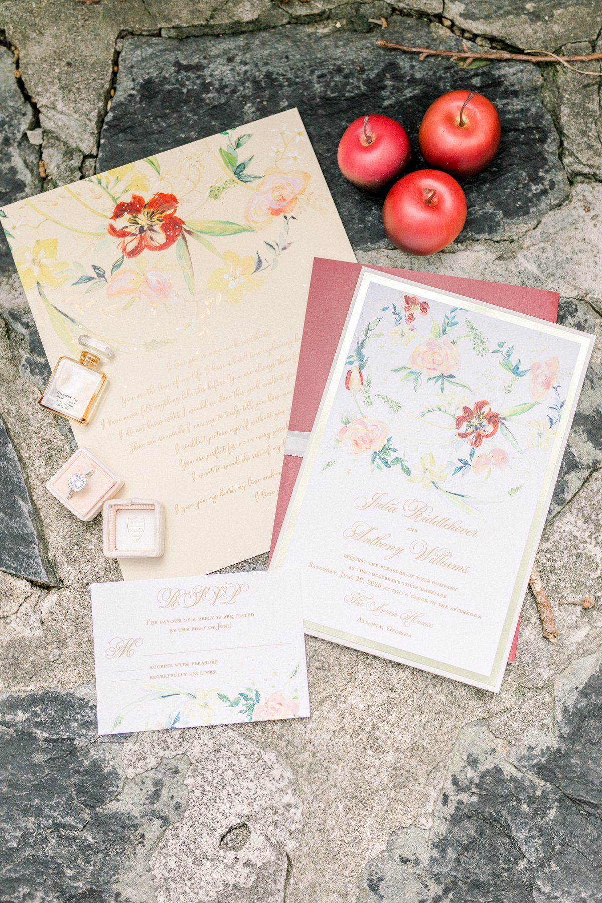 Vintage Elegant Red Wedding Ideas via TheELD.com