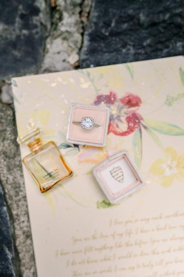 Vintage Elegant Red Wedding Ideas via TheELD.com