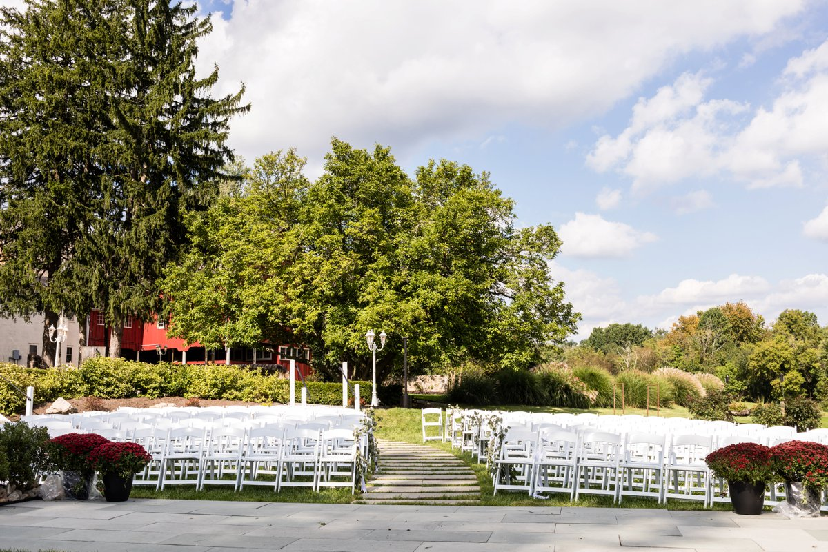 Fun & Elegant Pennsylvania Wedding via TheELD.com