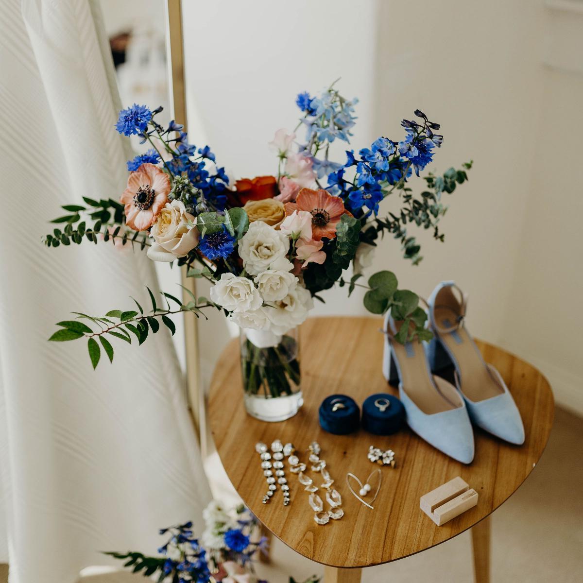 Classic Blue Wedding Details, Pantone 2020