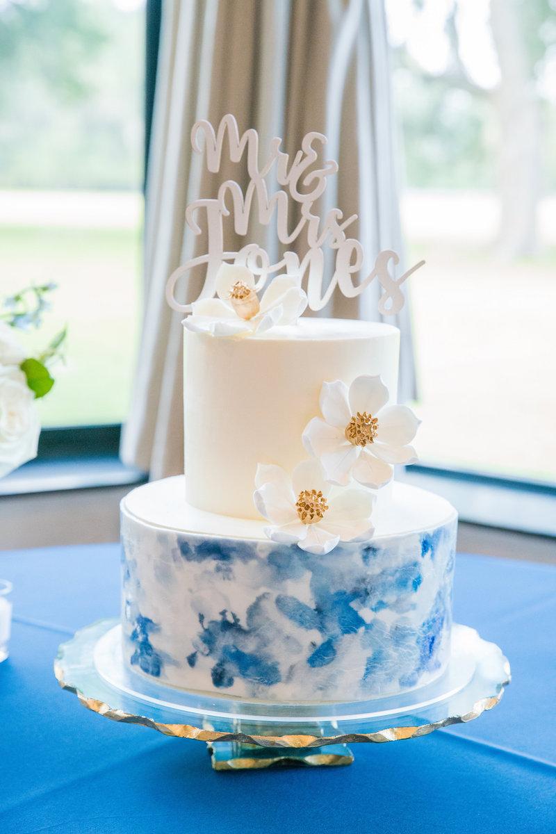 Classic Blue Wedding Cake, Pantone 2020, Watercolor Wedding Cake