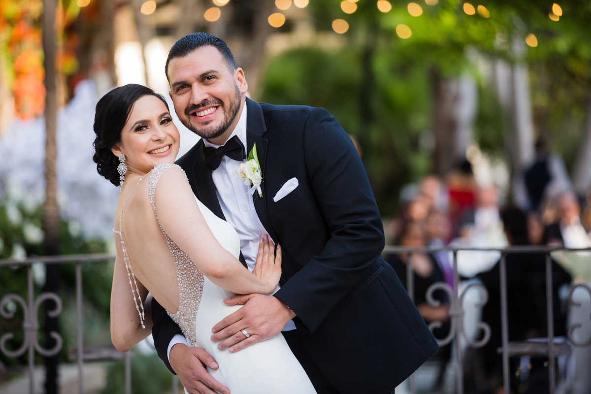 An All White Modern & Elegant Los Angeles Wedding via TheELD.com