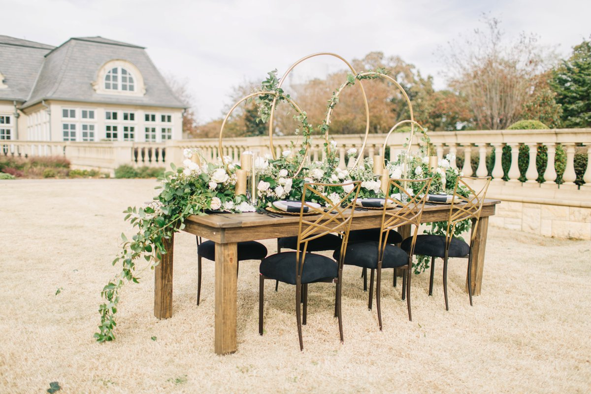 Elegant Black, White & Gold Texas Wedding Inspiration via TheELD.com