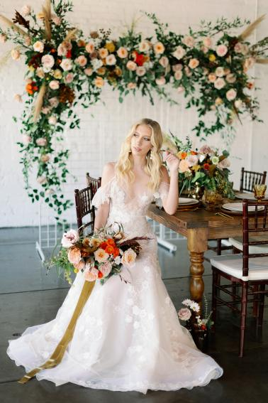 Chic 70s Retro Wedding Ideas via TheELD.com
