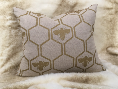 gold-bee-cushion