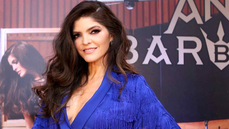 Ana Bárbara Viviana Ugalde hoy cumple 49 años la cantante mexicana ana bárbara