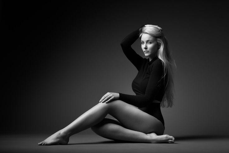 Inspiring black and white fashion photography filtergrade