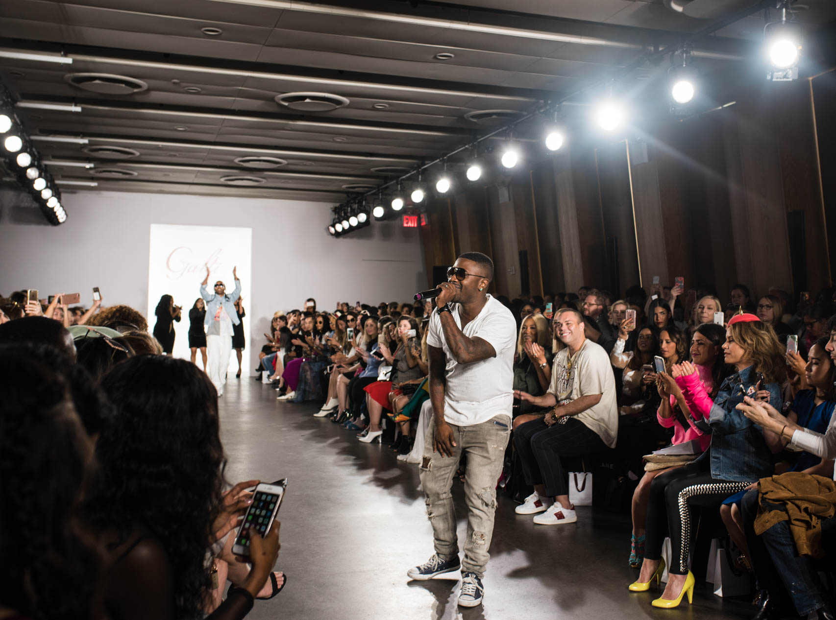 Ray-J performs live at new york fashion week galtiscopio ss18