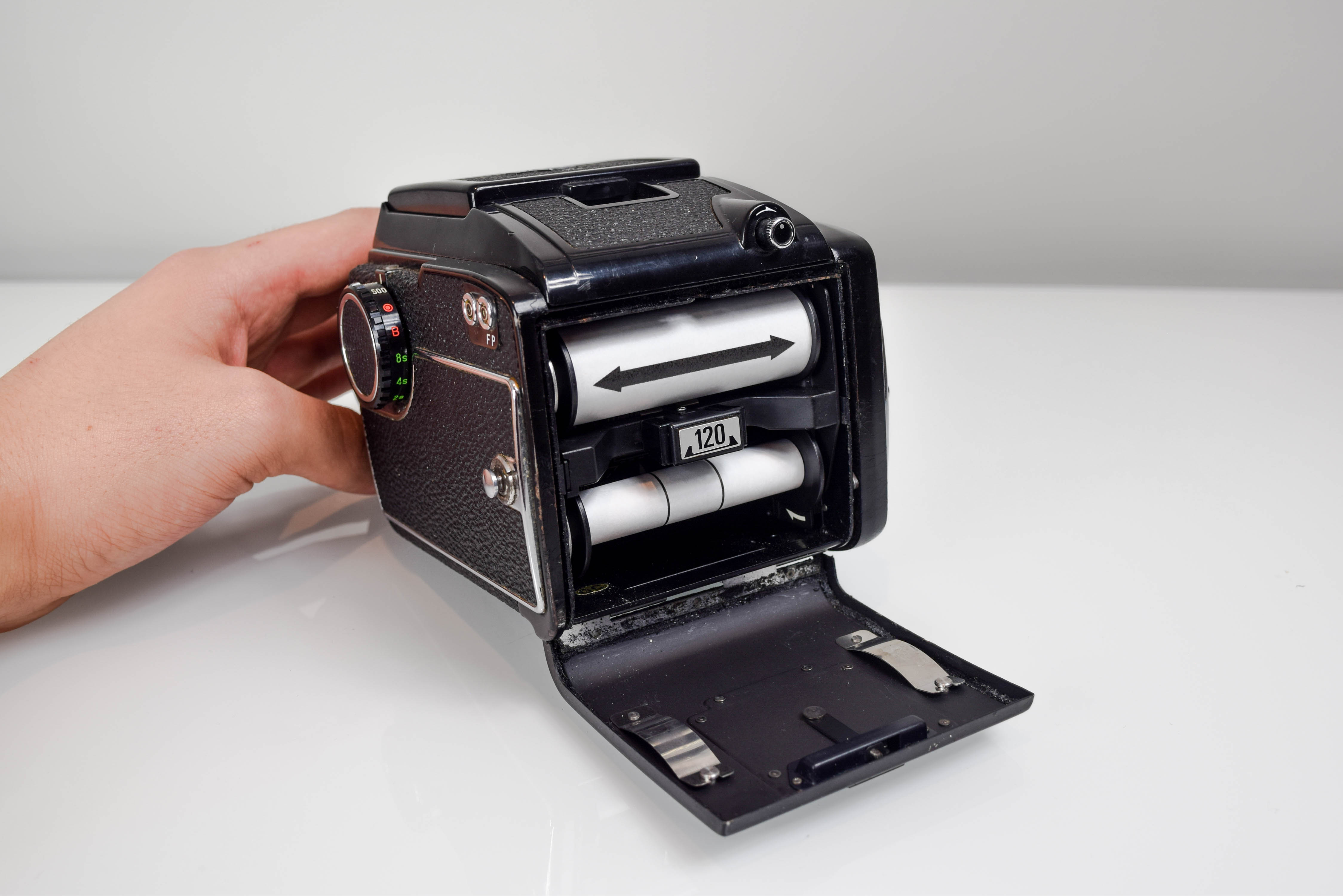 3 How to Load 120mm Film into Your Mamiya M645 - Film Photography - Filtergrade