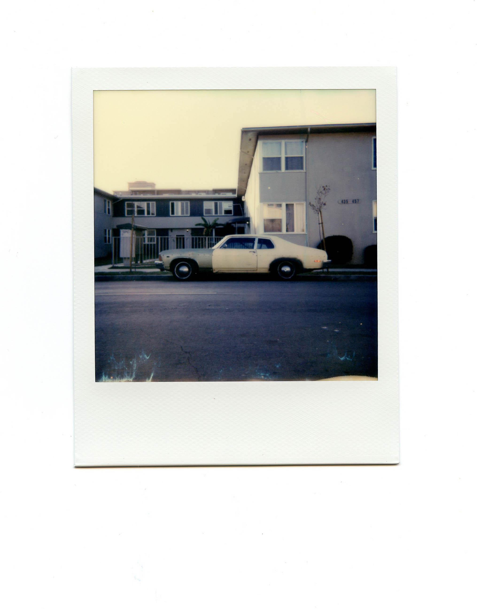 1 Polaroid Sun 600 Instant Film Camera Review - FilterGrade